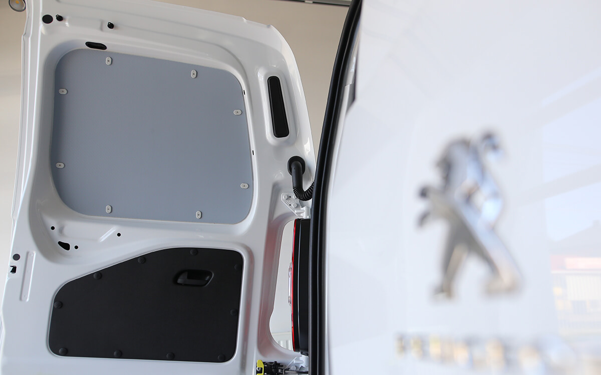 Peugeot Partner Standard - Plastik